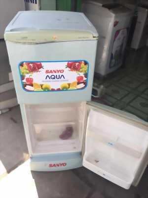 Cần bán tủ lạnh sanyo 120l. Làm lạnh , lam đá tốt