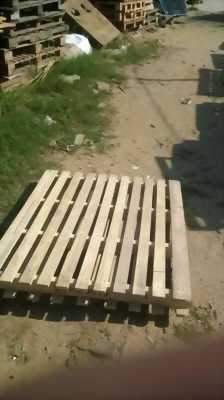 Thanh lý pallet nhựa ,pallet gỗ sóng nhựa toàn quốc