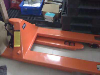 Xe nâng tay các loại 2T,2.5T,3T Tại Đà Nẵng