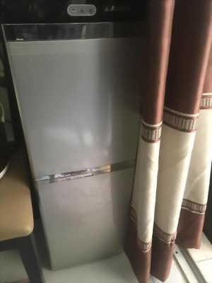 Dư xài cái máy nước nóng lạnh xài rất tốt bên dưới