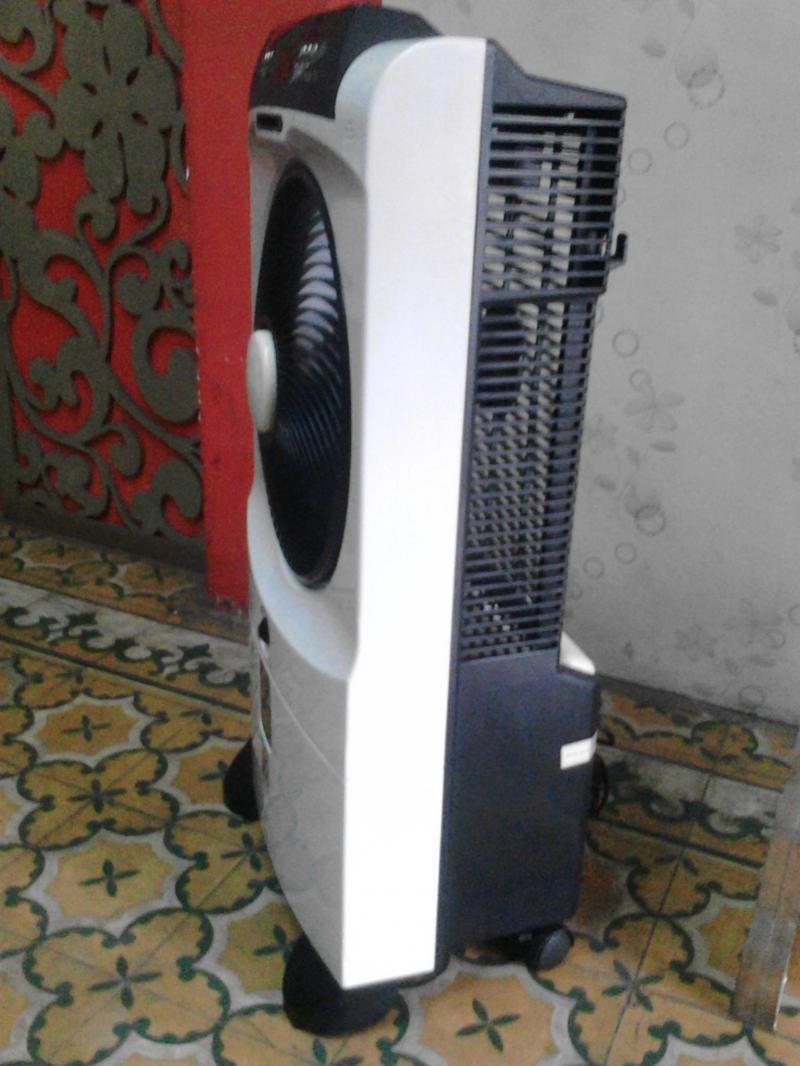 Quạt hơi nước hiệu BOOS  điện 220v