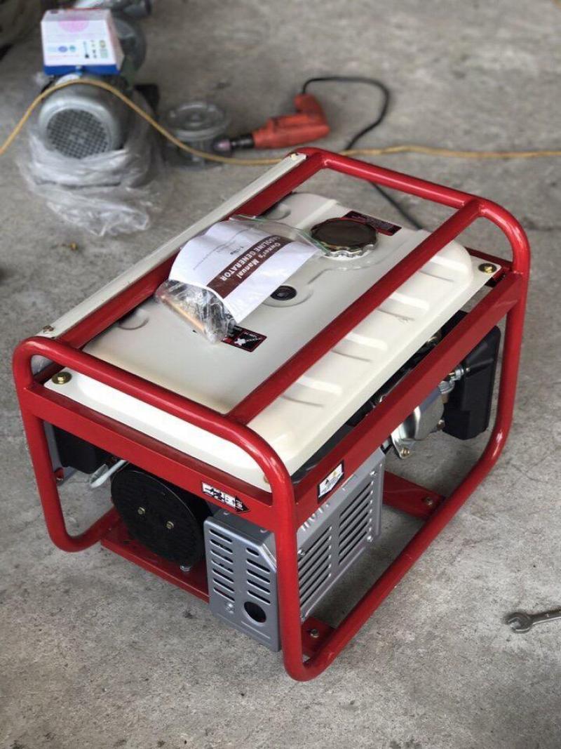Máy phát điện gia đình 2,8kw - đề + ắc quy sử dụng le gió tự động