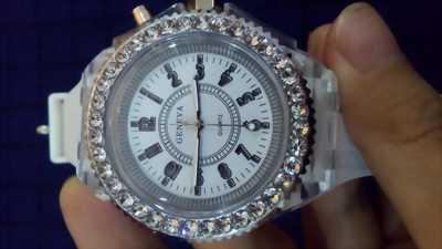 Đồng hồ nữ dây Slicon led 7 màu