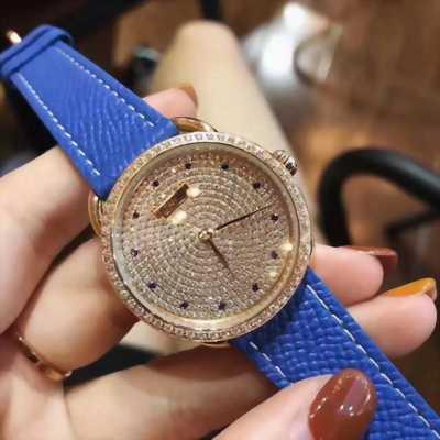 Đồng hồ Dior da đính đá