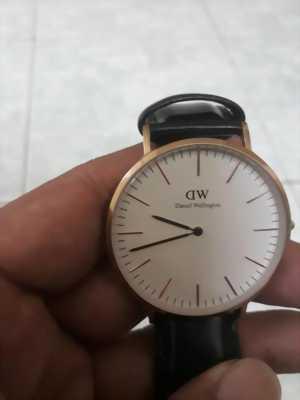 Cần bán đồng hồ DW chính hãng
