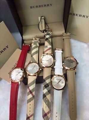 Cần bán lại đồng hồ Bubbery màu đỏ