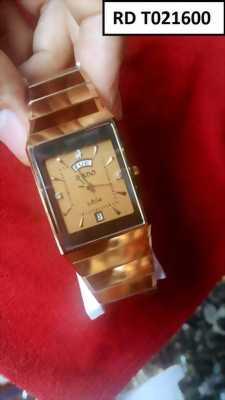 Đồng hồ nam mặt chữ nhật tạo nên sự mạnh mẽ, quý phái cho đàn ông
