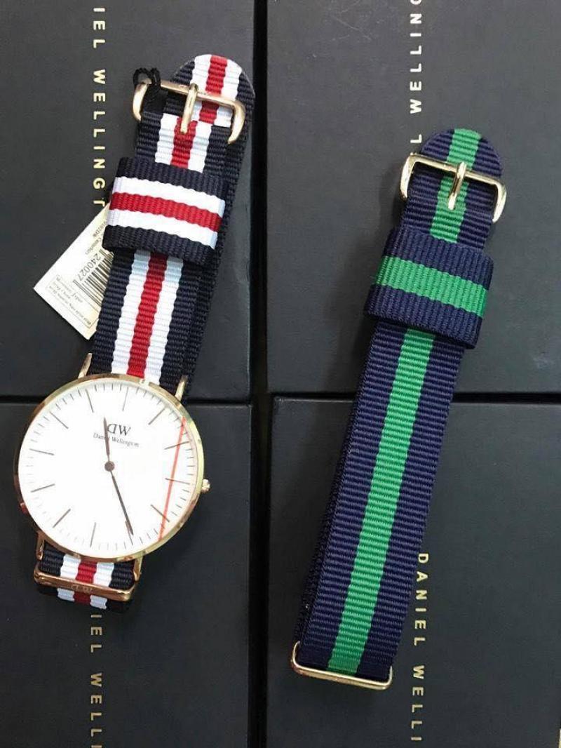 Đồng hồ D W