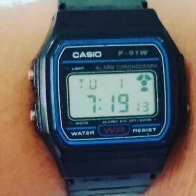Đồng hồ rẻ casio