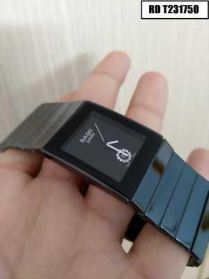 Đồng hồ Rado mặt vuông cao cấp tôn lên vẽ đẹp cho người đeo