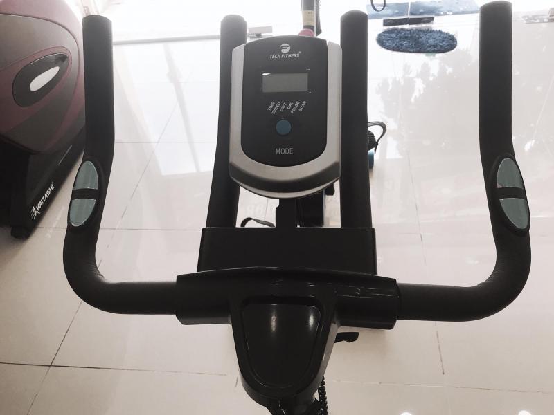 Xe đạp tập thể dục tại nhà dáng thể thao nhỏ gọn