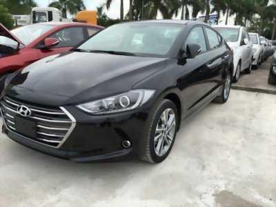 Hyundai Elantra 2.0AT số tự động