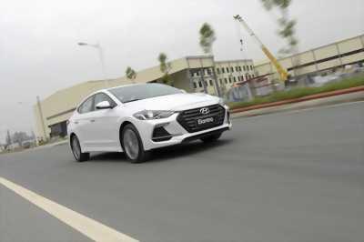 Hyundai Elantra 2017 đủ màu giao ngay