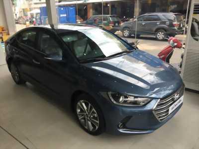 Bán xe Hyundai Elantra 2.0 AT (mới 100%)