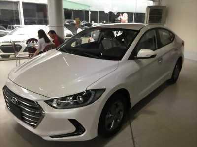 Bán ô tô Hyundai Elantra đời 2016, màu trắng giá cạnh tranh