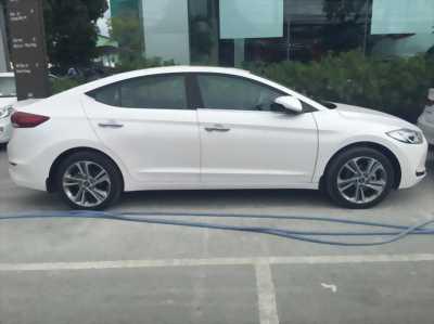 Giảm giá kịch sàn Hyundai Elantra, khuyến mãi cực đã, nhanh tay liên hệ hốt ngay xe xịn