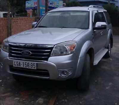 Bán Ford Everest đời 2010, màu bạc nhập khẩu