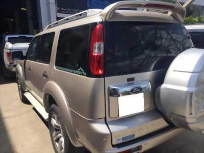 Cần bán xe Everest 2011, số sàn, máy dầu, màu hồng phấn gia đình sử dụng kỷ