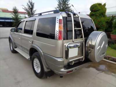 Gia đình cần bán xe Everest 2006, số sàn, máy dầu, màu xám, gia đình sử dụng kỷ còn mới ken