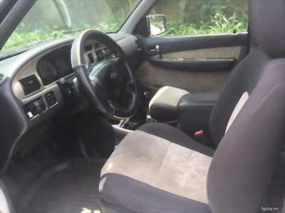 Cần tiền bán Ford Everest sx 2007, màu đen than, số sàn