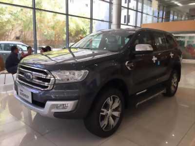 Ford Everest 2.2L, trả trước 10%, giao ngay