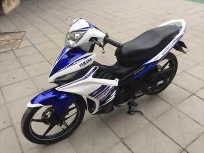 Exciter 135 GP côn tay màu trắng xanh đăng kí 2012.