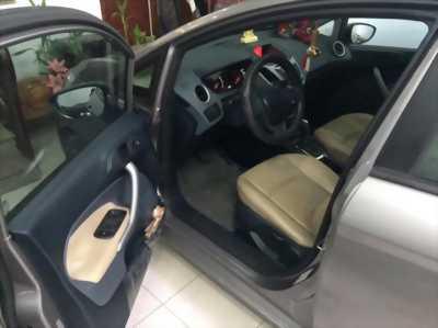 Cần bán xe Ford Fiesta đời 2011 - chính chủ