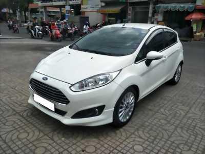 Gia đình cần bán Fiesta S 2014, số tự động, màu trắng