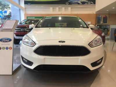 Có sẵn cần sang lại con Ford Trend giá cạnh tranh thị trường cao nên mình để bán phá giá đẩy nhanh cho mọi người.