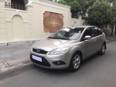 Cần sang lại xe Ford Focus đời 2011 chính chủ like new 90% có để giá rẻ cho anh em có nhu cầu.