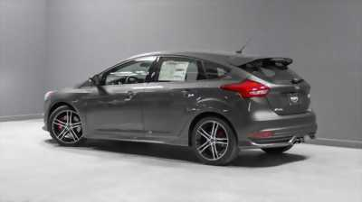 Xe Ford Focus 1.5L Ecoboost 2018 mới, giá chưa KM