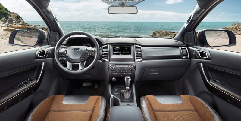 Thông số xe Ford Ranger Wildtrak 3.2L 4x4 AT và đánh giá chi tiết