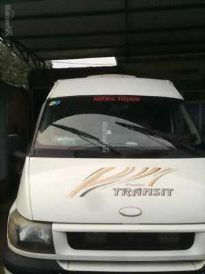 Bán rẻ một chiếc xe Ford Transit đời 2004, màu trắng