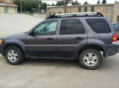 Ford Escape 2003 Tự động. Gia đình