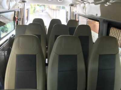 Cần bán xe Ford Transit 2018 số sàn máy dầu, xe màu bạc 16 chỗ ít sử dụng