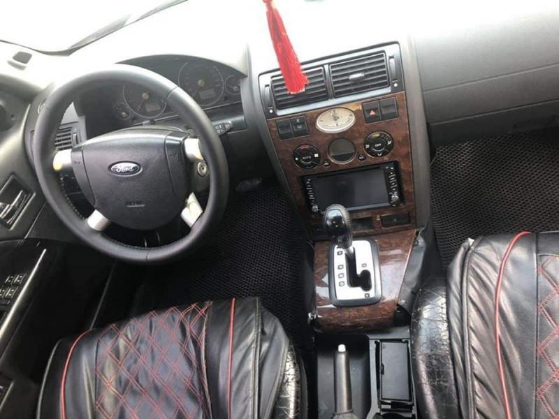 Cần bán xe Ford Mondeo 2004 số tự động màu đen
