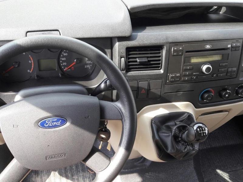Bán Ford Transit 2018 máy dầu số sàn xám mua mới