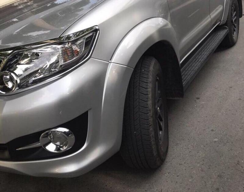 bán em xe Fortuner xăng 2015 số tự động, màu bạc mâm đen zin nguyên con