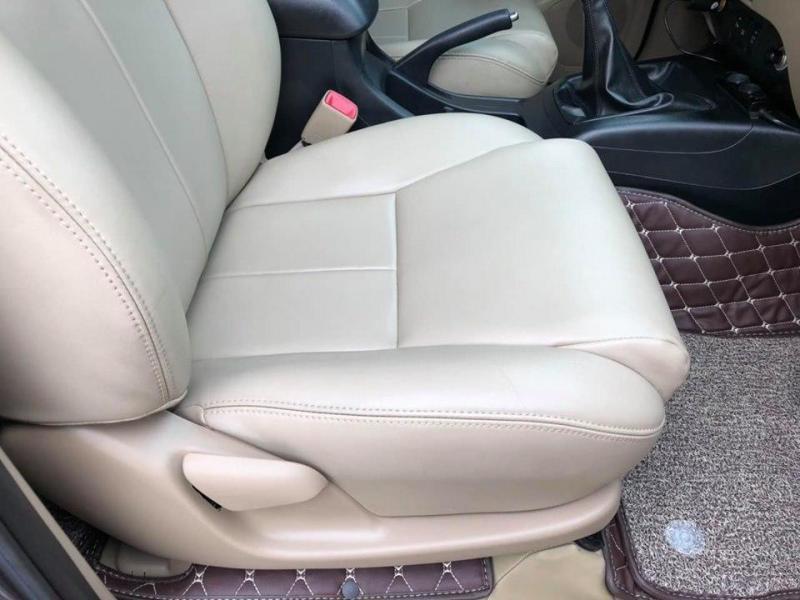 bán xe Fortuner 2015, số sàn, máy dầu, màu xám trì