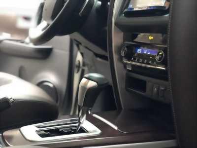 bán em  Toyota Fortuner 2018