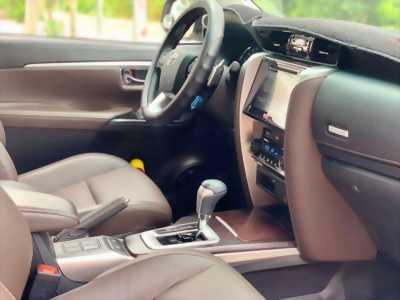 Bán Toyota Fortuner tự động 2017