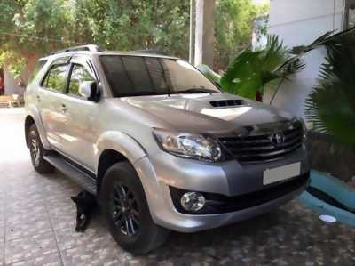 Bán xe Toyota Fortuner 2015