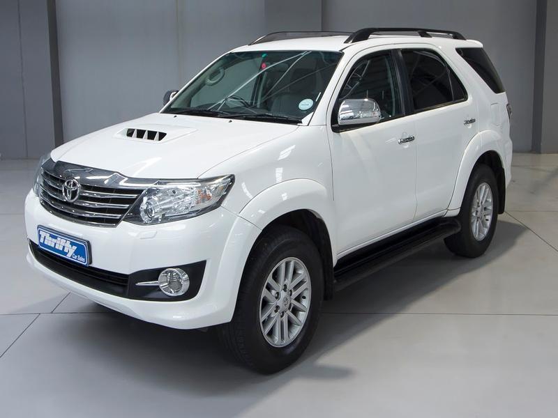 Bán xe ô tô Toyota Fortuner 2.5G 2015 giá 840 Triệu