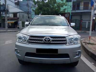 Cần bán xe Toyota Fortuner đời 2010 tại HCM