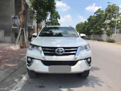 Bán Toyota Fortuner Trắng 2017 đk 2018 tại HCM