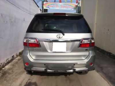 toyota fortuner V 2009 số tự động, 4x4 máy xăng, màu bạc