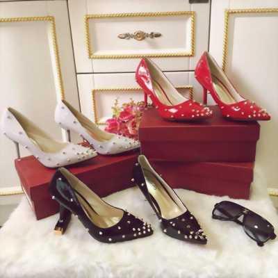 Giày cao gót đinh