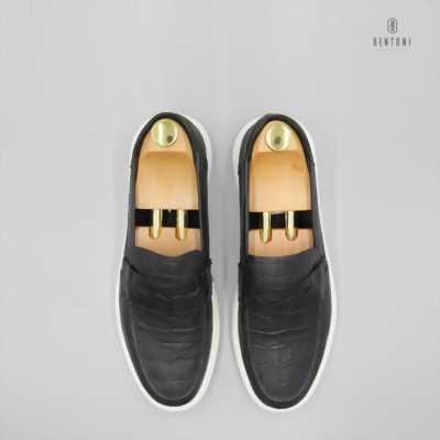 Mình còn thừa đôi giầy như hình nên mình bán
