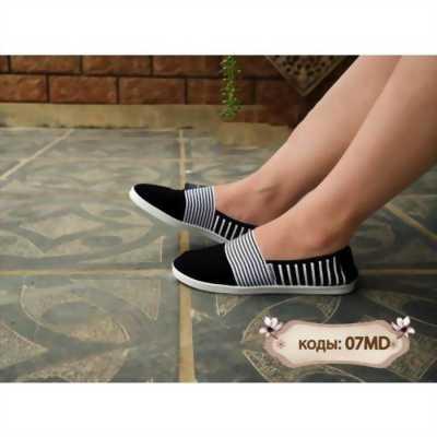Giày vải slip on 07MD sọc đen trắng ở gót