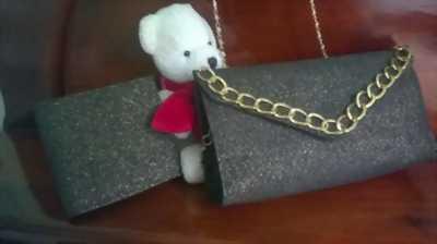 Cần bán cặp ví nam nữ